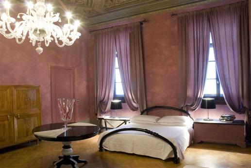 N4U Guest House, Florença, Itália