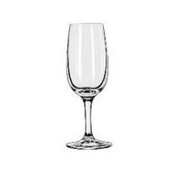 Copos de porto ou vinho de sobremesa