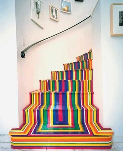 Uma escadaria com personalidade colorida