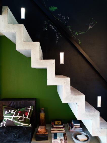 Aproveitar recantos das escadas