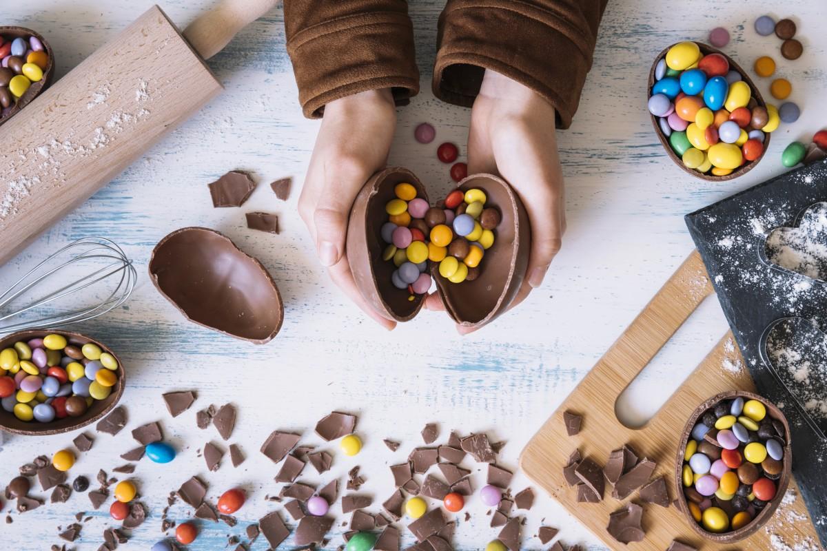 Como Fazer Ovos Da Páscoa Em Chocolate A Nossa Vida